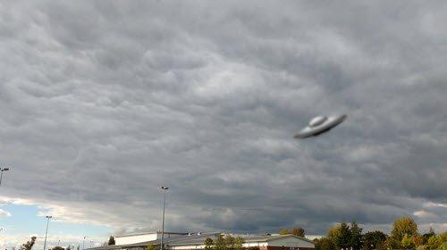 cloud-saucer